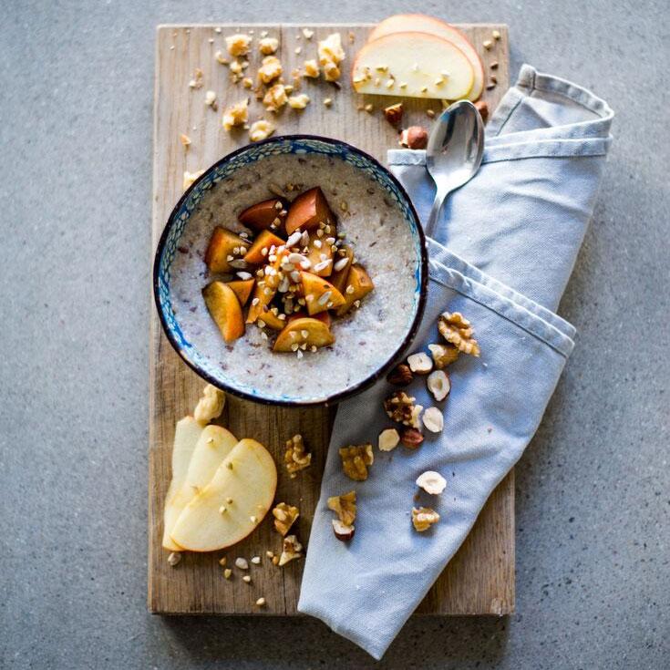 Buchweizen Porridge mit Zimtäpfeln
